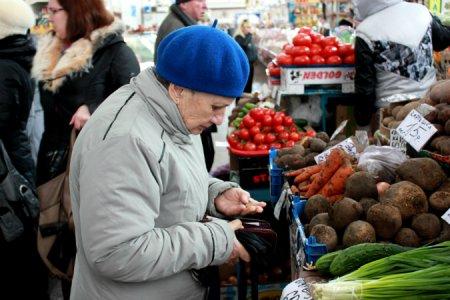 Продуктовые карточки в России 2017: малоимущие россияне будут получать по 10 тыс на продуктовые карточки