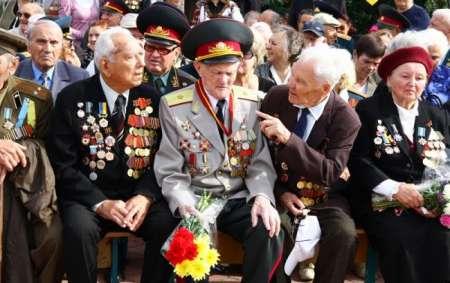 Ветераны получат по 10 тыс рублей к годовщине Битвы под Москвой