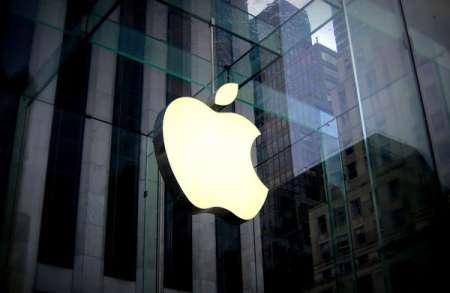 Apple наняла десятки бывших сотрудников компании Tesla